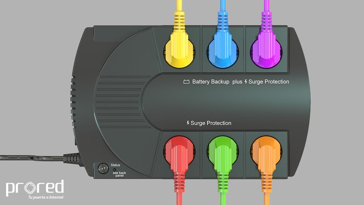 SAI con cables conectados de colores