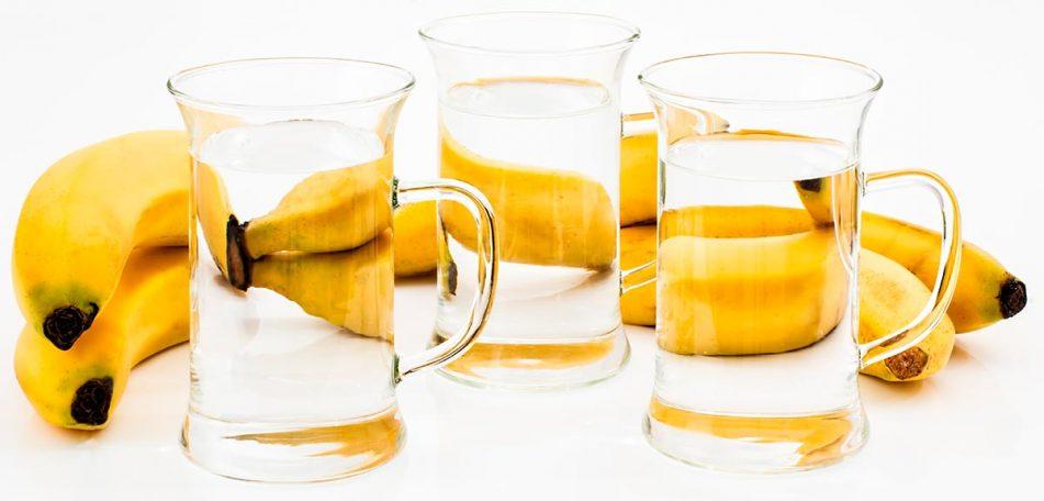 El fenómeno de la refracción en vasos de agua